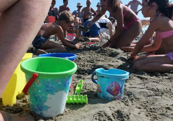 Festival castelli sabbia mascotte